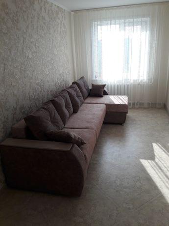Продам широкий диван