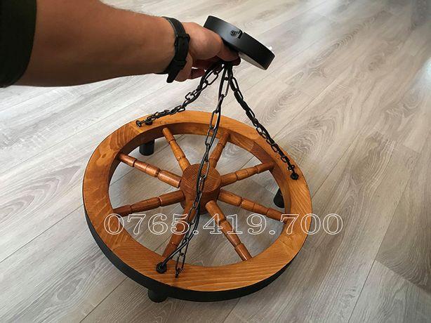 Candelabru rustic din roata de lemn / lustra din roata de lemn