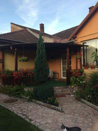 Vând Casa zona castel