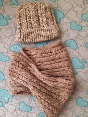Зимние шапка и снуд