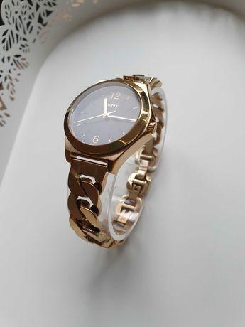 DKNY оригинален дамски златен часовник