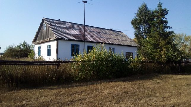 Продам дом в деревне село Тромбовка