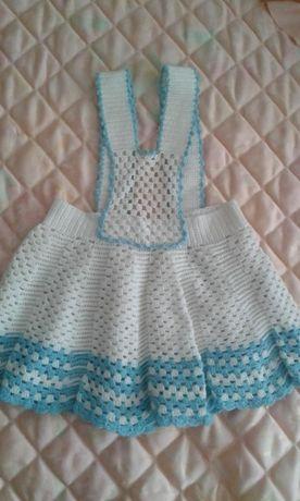 Детска ръчно плетена поличка