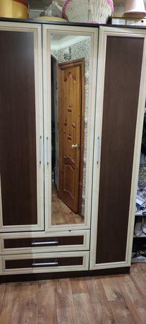 Продам шкаф для вещей за 30000