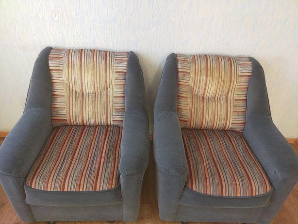 Продам 2 кресла для гостиной
