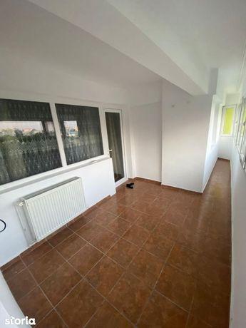Inchiriez apartament 2 camere , situat in Micro 3