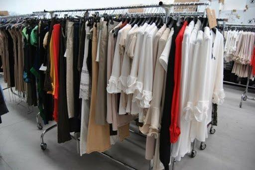 Lichidare stoc / lot haine noi de firma, copii si adulti