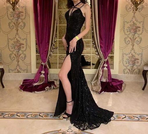 Vand rochie de seara,cu paiete si dantela,cupe si bretele ajustabile