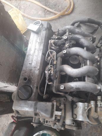 Продается мотор Мерс дизельный мотор 2.3 куб