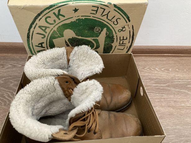 Продам мужской зимний обувь
