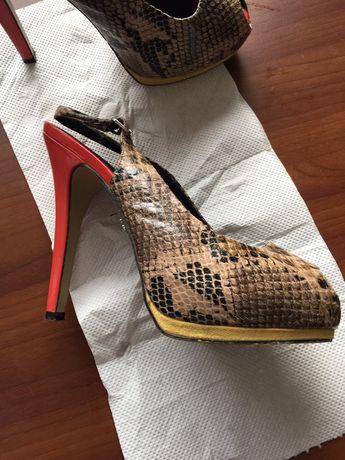 Маркови обувки 39 номер