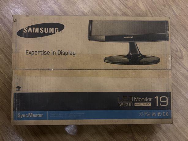 Монитор Samsung LS19A100