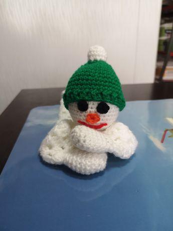 Плетена кукла Снежко декоративни чашки подаръци