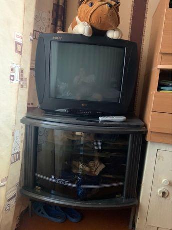 Продам телевизор LG с подставкой