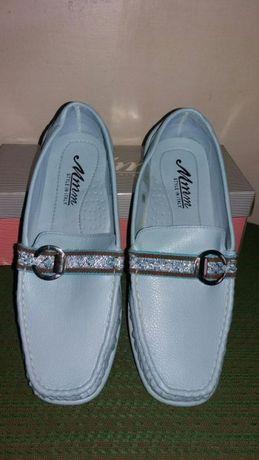 Дамски обувки нови.