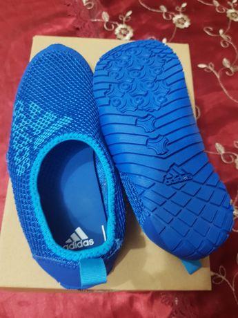 Incaltaminte Adidas marimea 32