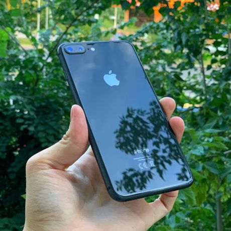 Айфон 8 + плюс Apple 8+ телефон в идеальном состояний