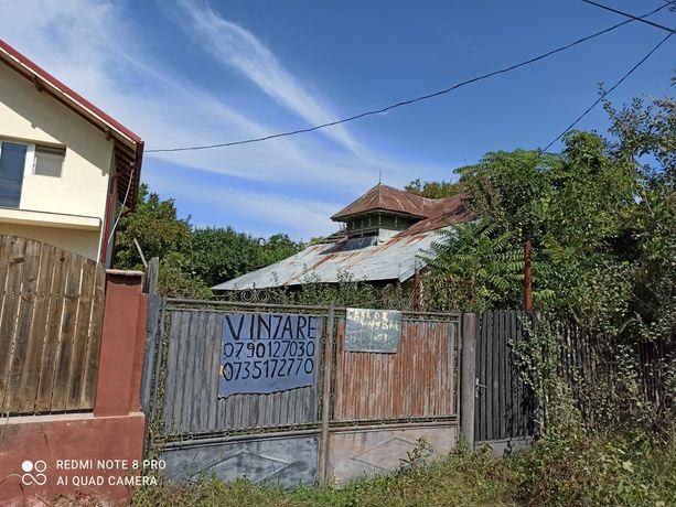 Casa batraneasca + teren de vanzare Darmanesti Dambovita