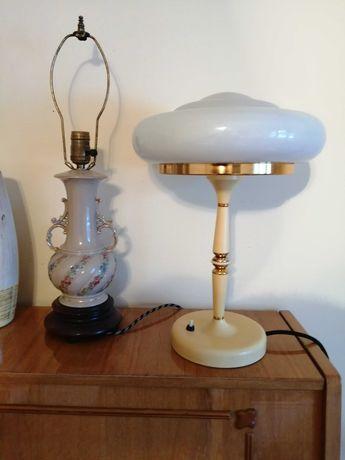 Стари настолни лампи