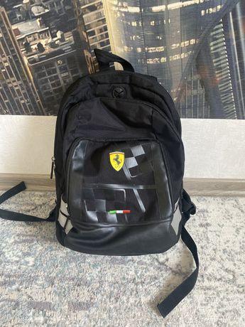 Рюкзак Ferrari черный школьный. 3 отделения есть