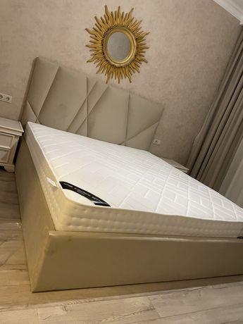 Мягкая кроват наличи и на заказ.цвет на выбор.доставка сборка бесплатн