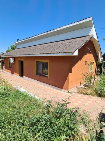 Vând Casa localitatea Poarta Alba