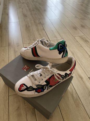 Продам кроссовки Gucci