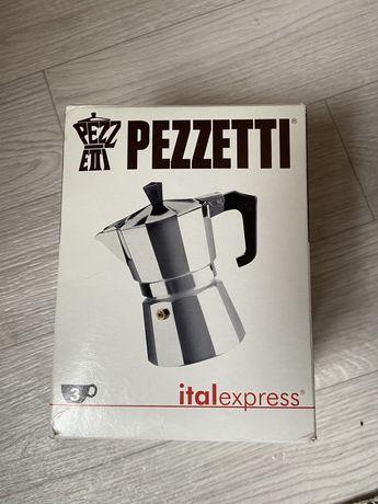 Гейзерная кофеварка PEZZETTI ITALEXPRESS с чёрной ручкой на 3 порции