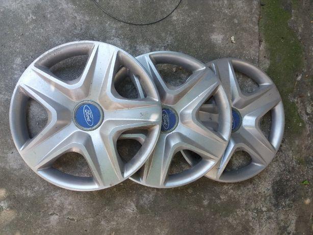 3 Capace roti Ford pe 15