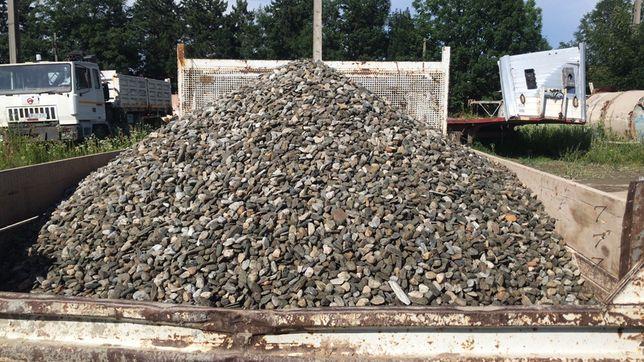 Transport-vând nisip-pietrisi-piatra-moloz lemn-materiale diverse