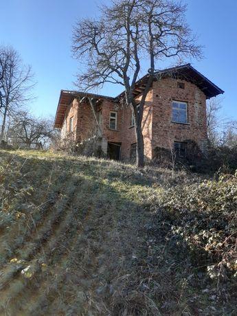 Къща във курортно селище Априлци