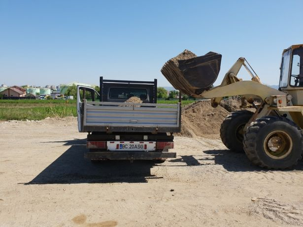 Transport basculabil 5T (nisip,balastru,moluz,sort,pamant negru)