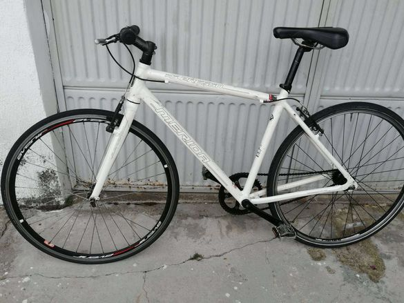 продавам  шосеен велосипед Мерида
