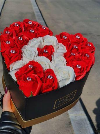 Cutie flori Cadou perfect valentine s day ziua indragostitilor