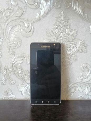 Продам Samsung J5
