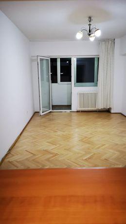 Plopeni Centru apartament 3 camere decomandat