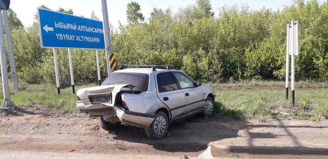 Продам Nissan Sunny 1992 без двигателя аварийное состояние