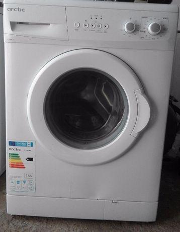 Maşină de spălat rufe Arctic