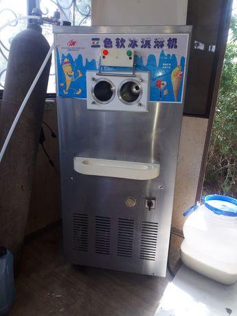 Мороженое аппарат продам