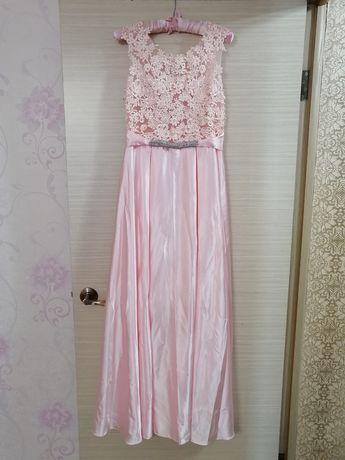 Продам новое платье 42 размер