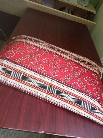 Възглавница-българска бродерия