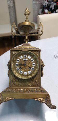 Ceas vechi antic din bronz cu pendulă