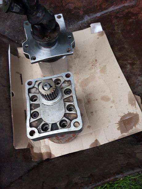 Sc PETRO DIAMED BUZAU confecționam după model pompe hidraulice simple