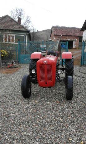 Tractor, căruța, plug şi remorcă urgent