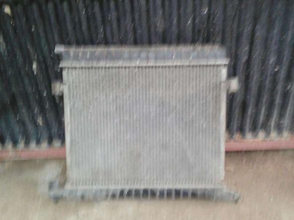 Продавам радиатор,електромотор,глава и други части за опел