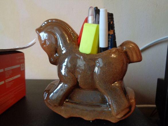 нов глазиран керамика кон поставка за писалки