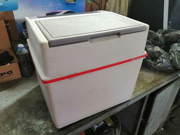 хладилник 12/220
