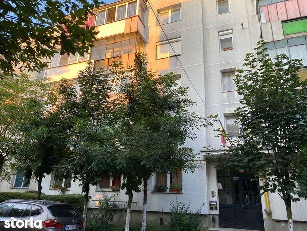 Apartament 2 camere, confort I, etaj 3, Fagarasului