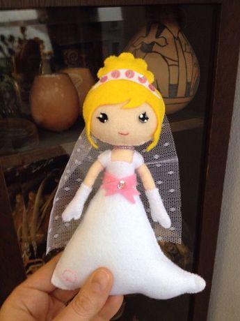 Papusa Mireasa si Mire, produs handmade personalizat din fetru