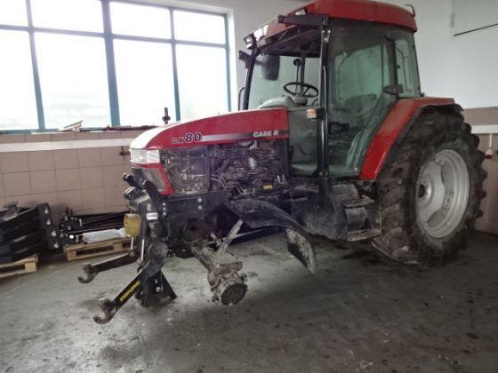 Dezmembrez tractor Case Cx 80